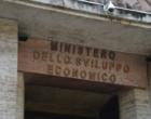 """Riciclaggio, 28 arresti a Roma: anche un dirigente del Mise. """"Distraevano finanziamenti pubblici"""". Sequestrati beni per 5 milioni"""