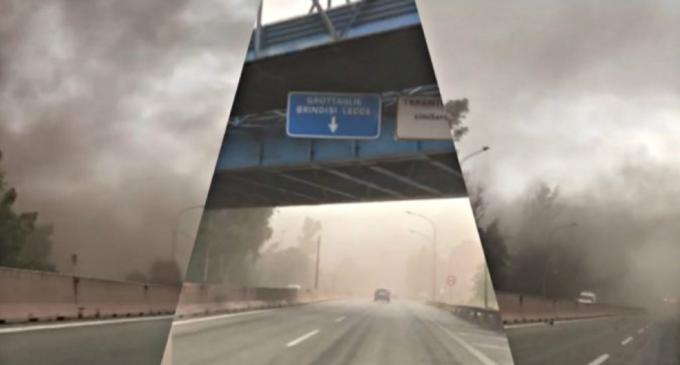 Ex Ilva, la procura di Taranto apre inchiesta sulla nube di carbone che sabato si è alzata dai parchi minerari arrivando al rione Tamburi