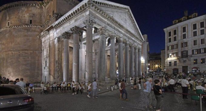 Pantheon, le nuove luci a led