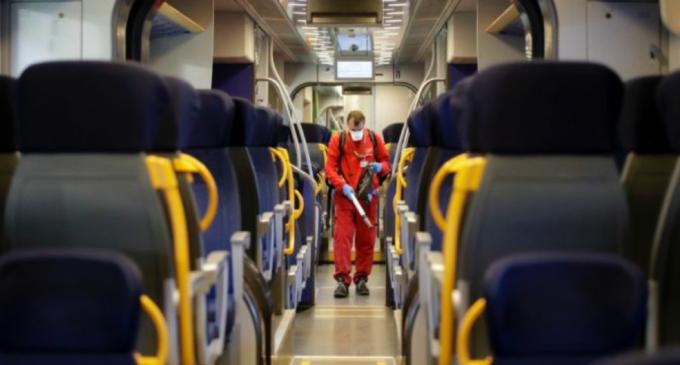 """Treni ad alta velocità, da oggi Frecce e Italo viaggiano con posti pieni al 100%. Comitato tecnico scientifico: """"Molta preoccupazione"""""""