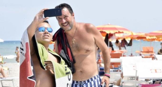 """Salvini fa dietrofront sulle mascherine: """"Sì nei luoghi chiusi, usate la testa"""". Su leadership Lega: """"La decidono gli elettori"""""""