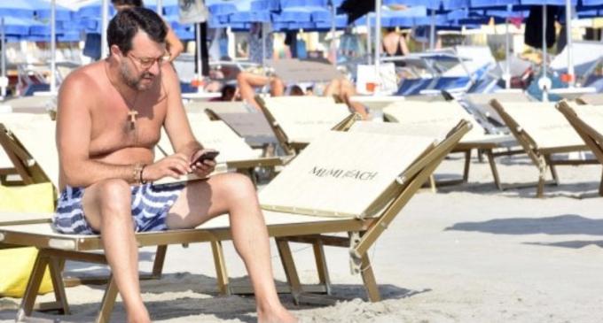 """Salvini: """"L'anno prossimo tornerò al Papeete da presidente del Consiglio"""""""