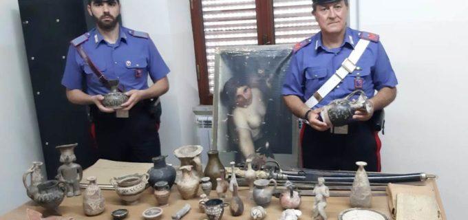 ROMA: NASCONDEVA REPERTI ARCHEOLOGICI. DENUNCIATO DAI CARABINIERI
