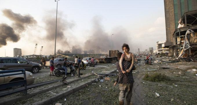 Beirut, due forti esplosioni nella zona del porto: almeno 70 morti. Oltre 3700 feriti tra cui un militare italiano. All'origine l'incendio di 2750 tonnellate di nitrato di ammonio