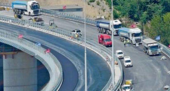 """Ponte di Genova, i familiari delle vittime: """"Non sarà un carnevale, ma noi non ci saremo"""""""