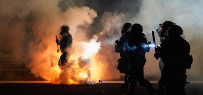 Usa: almeno 30 morti negli incendi