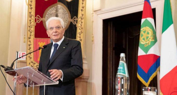 Mattarella a Johnson: «Gli italiani amano la libertà, ma anche la serietà»
