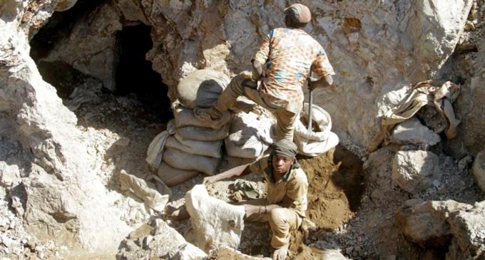 Forti piogge in Congo: crollano tre miniere artigianali d'oro,
