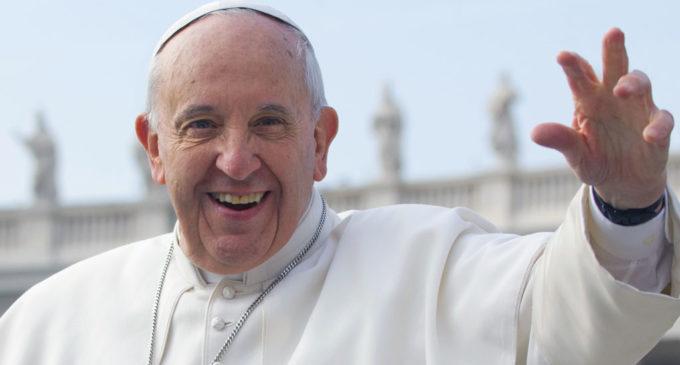 Il Papa: non c'è ecologia senza equità