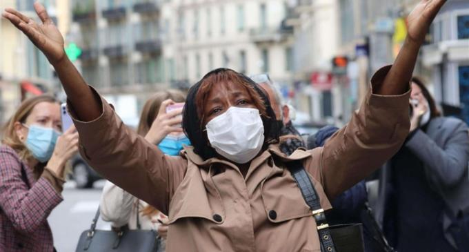 Attacco a Nizza.Papa: i francesi reagiscano al male con il bene. Il dolore della Cei