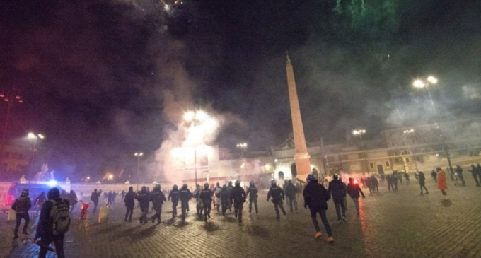 Roma. Fascisti, ultrà e negazionisti, anatomia della rivolta contro il coprifuoco