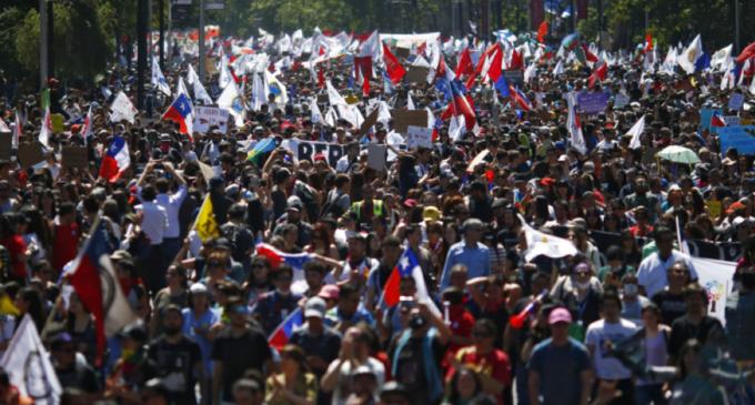 Il Cile cancella la Costituzione di Pinochet