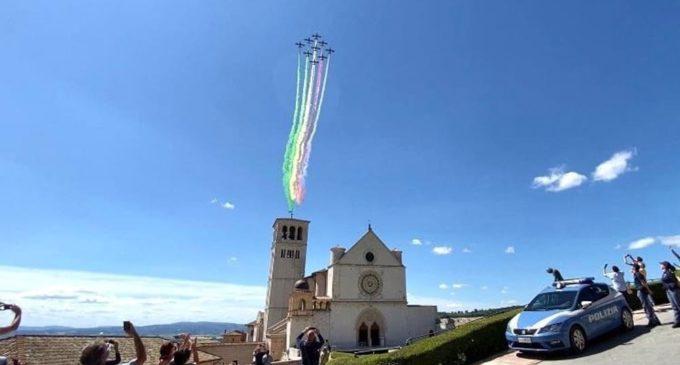 Da Mare Nostrum a mare di nessuno e le Frecce Tricolori nel cielo di Assisi
