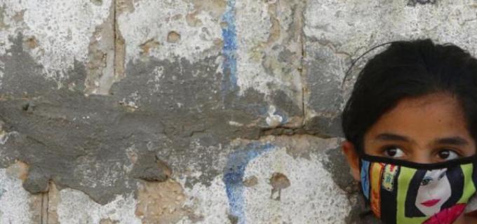 Morire di Covid o di fame: il terribile dilemma nell'inferno di Gaza
